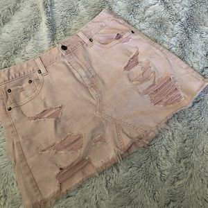 American Eagle pale pink distressed skirt
